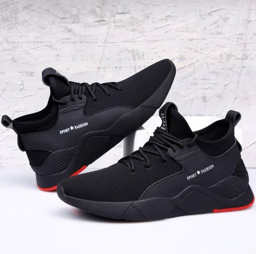 Elegant Black Solid Mesh Men Sports Walking Shoes