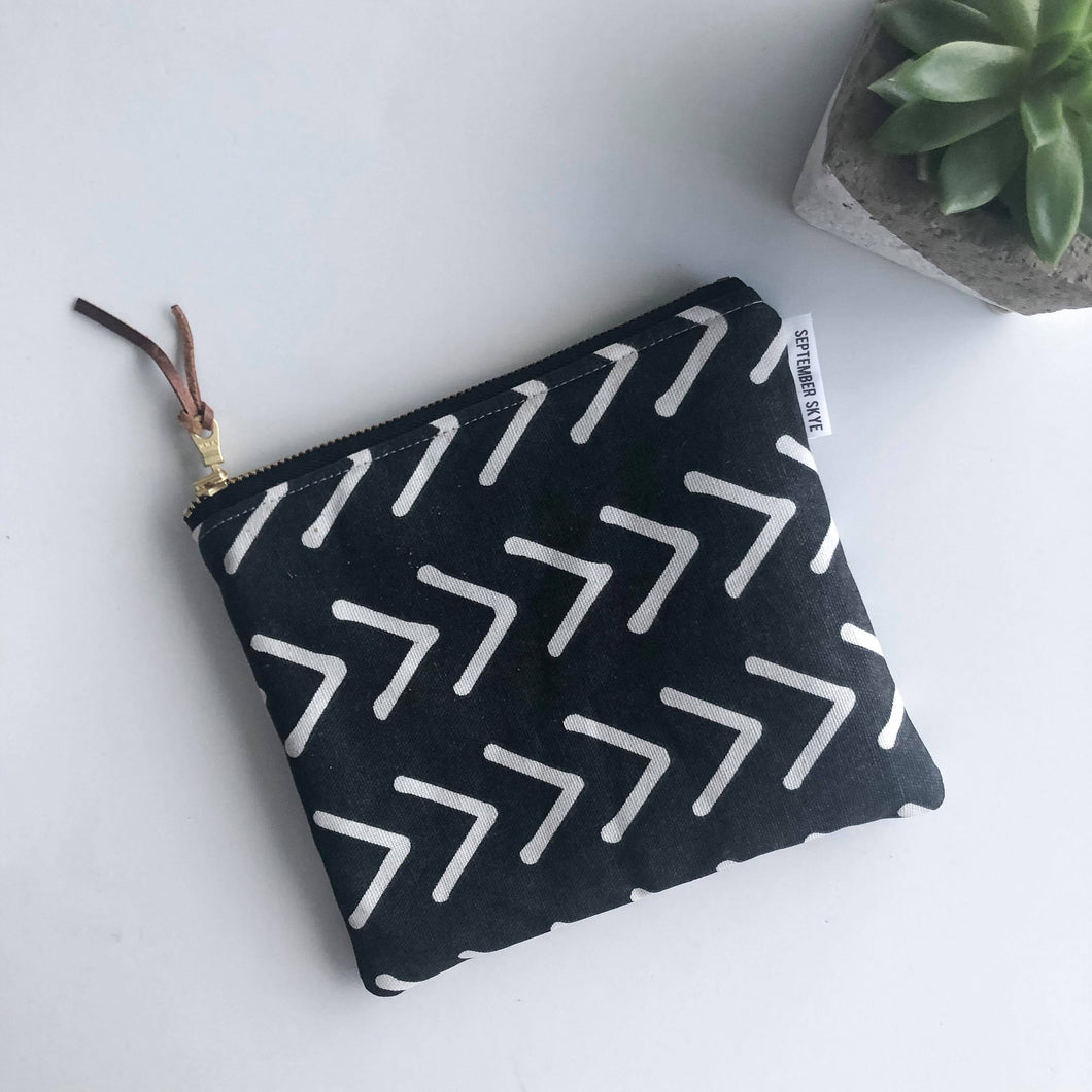 Simple Zipped Pouch - Black and White Arrow