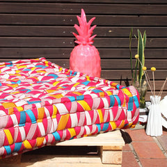 Day Bed - Kanga Pink