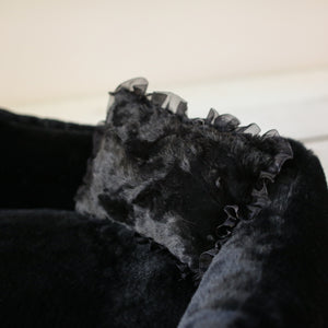 The Divine Dog Bed in Black (Custom/Drop Ship)