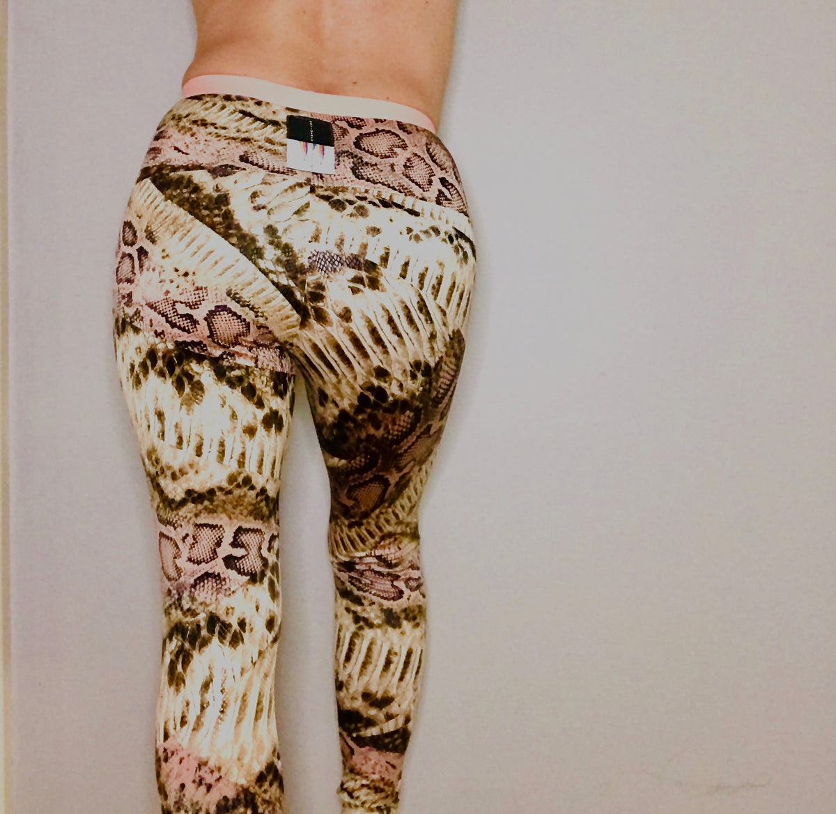 "The ""Dancer"" Legging By MOVIMENTO"