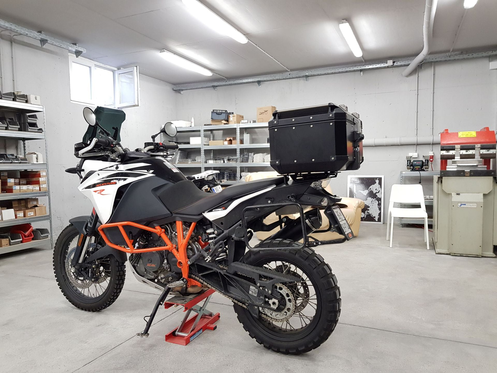 Perun moto KTM 1090/1190/1290 Top luggage rack and Givi/Kappa top case