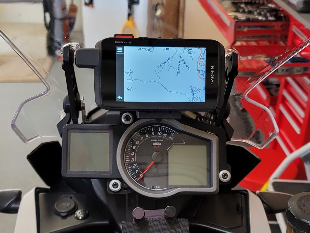 Garmin Montana 700i on Perun moto 1090/1190 GPS Dashboard mount