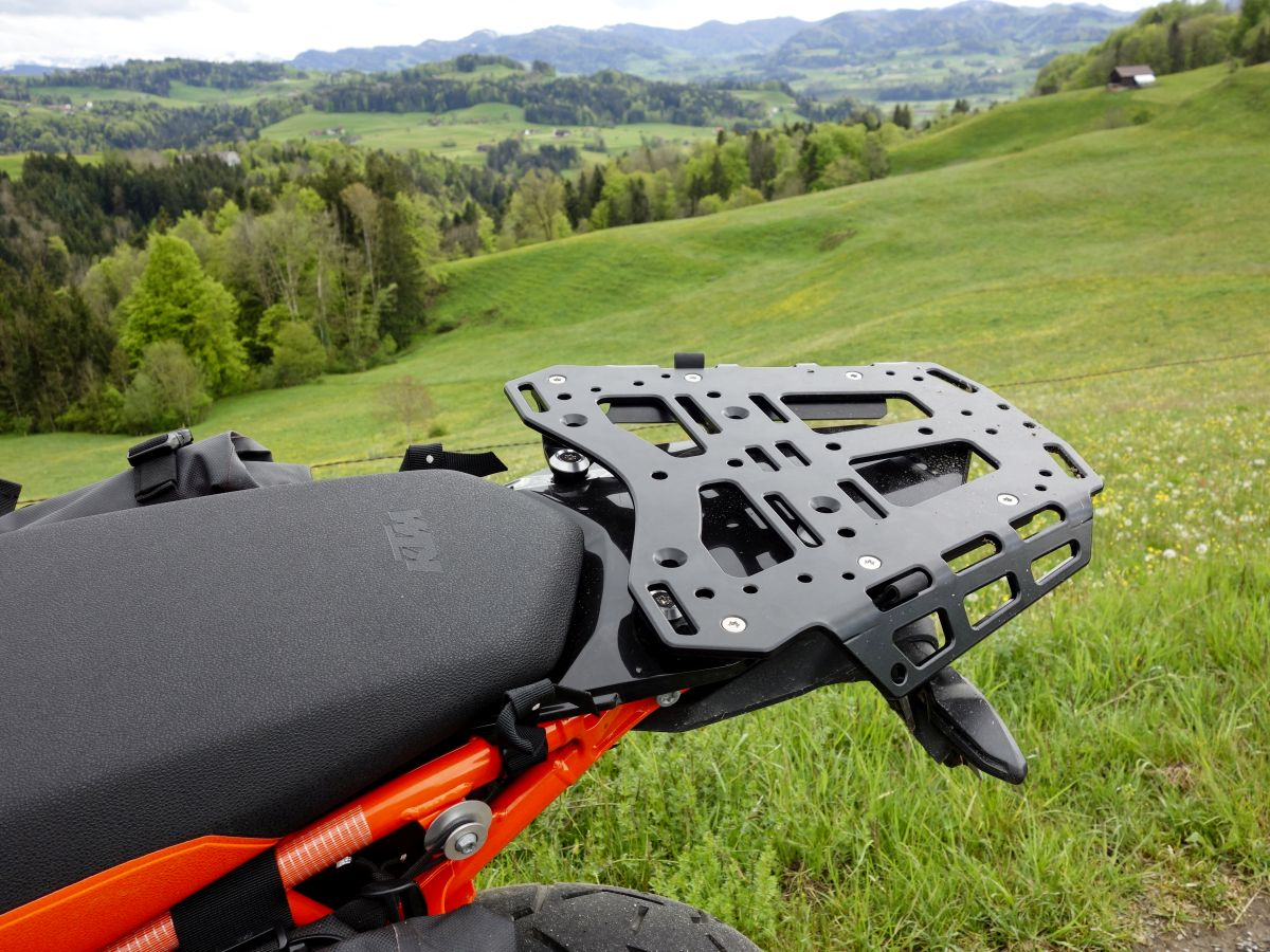Top luggage rack + Subplate on KTM 790 Adventure R