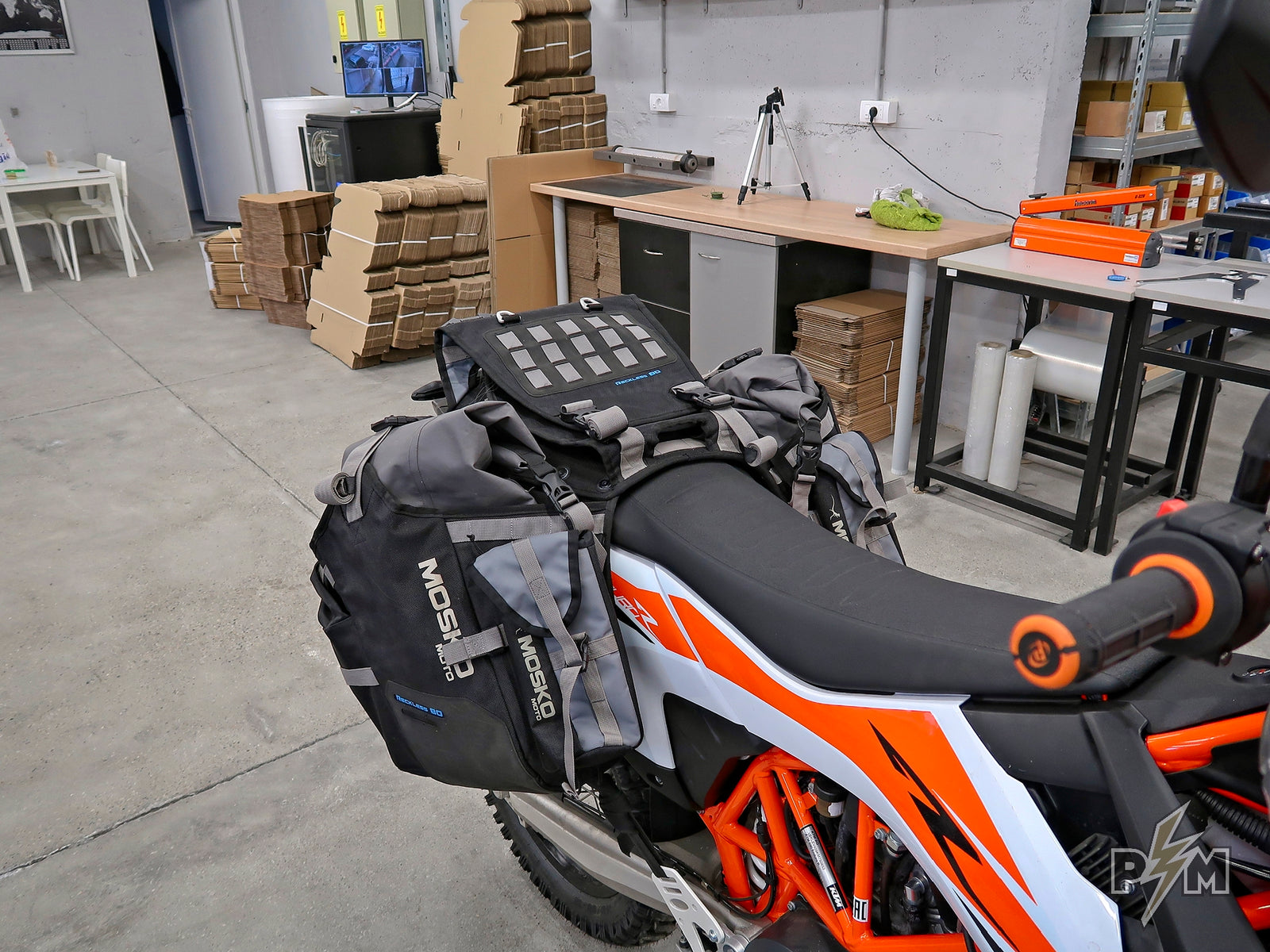 2019+ KTM 690 Enduro Lugagge rack and Mosko moto Reckless 80