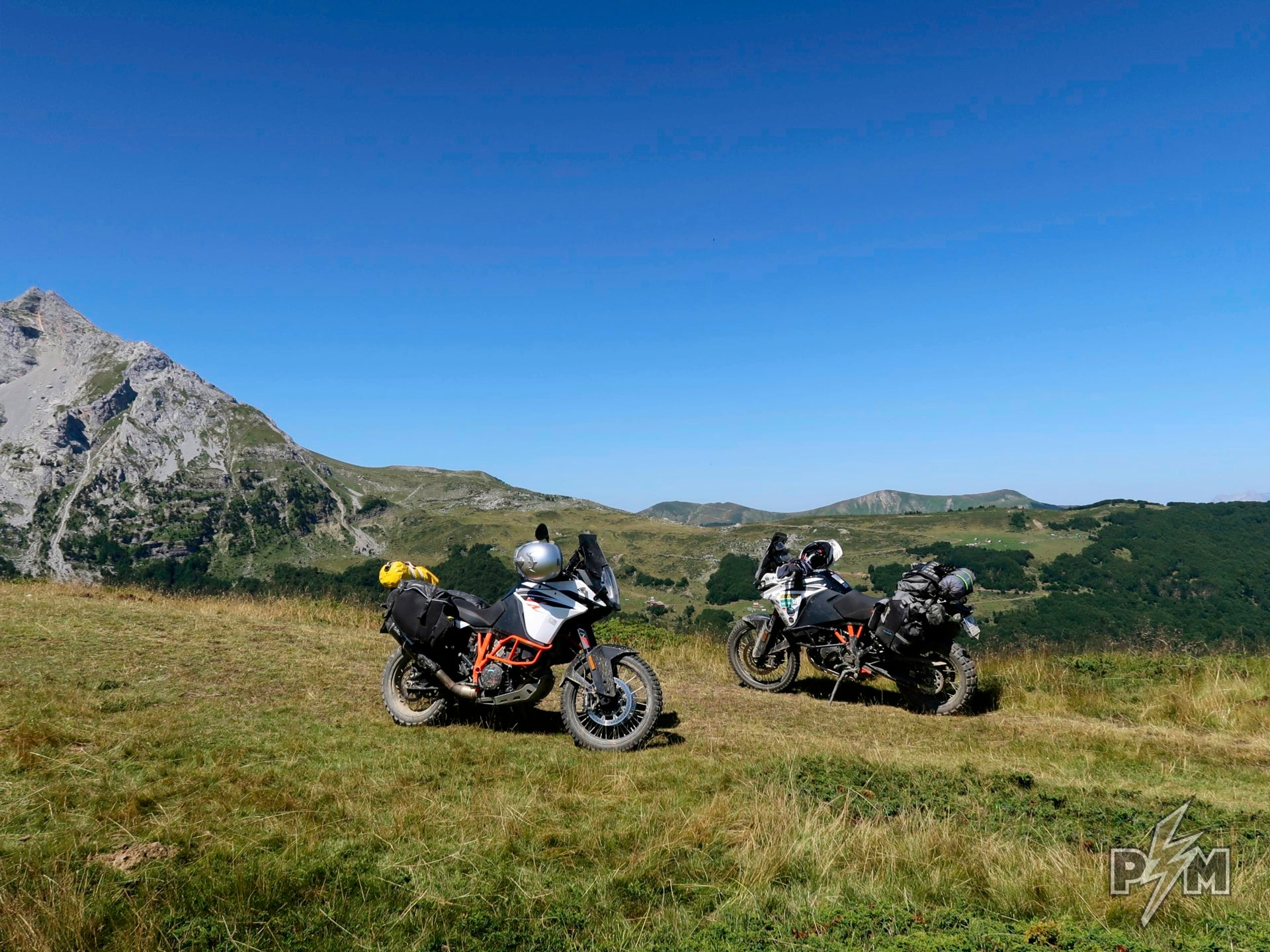 KTM 1090 Adventure R set for camping