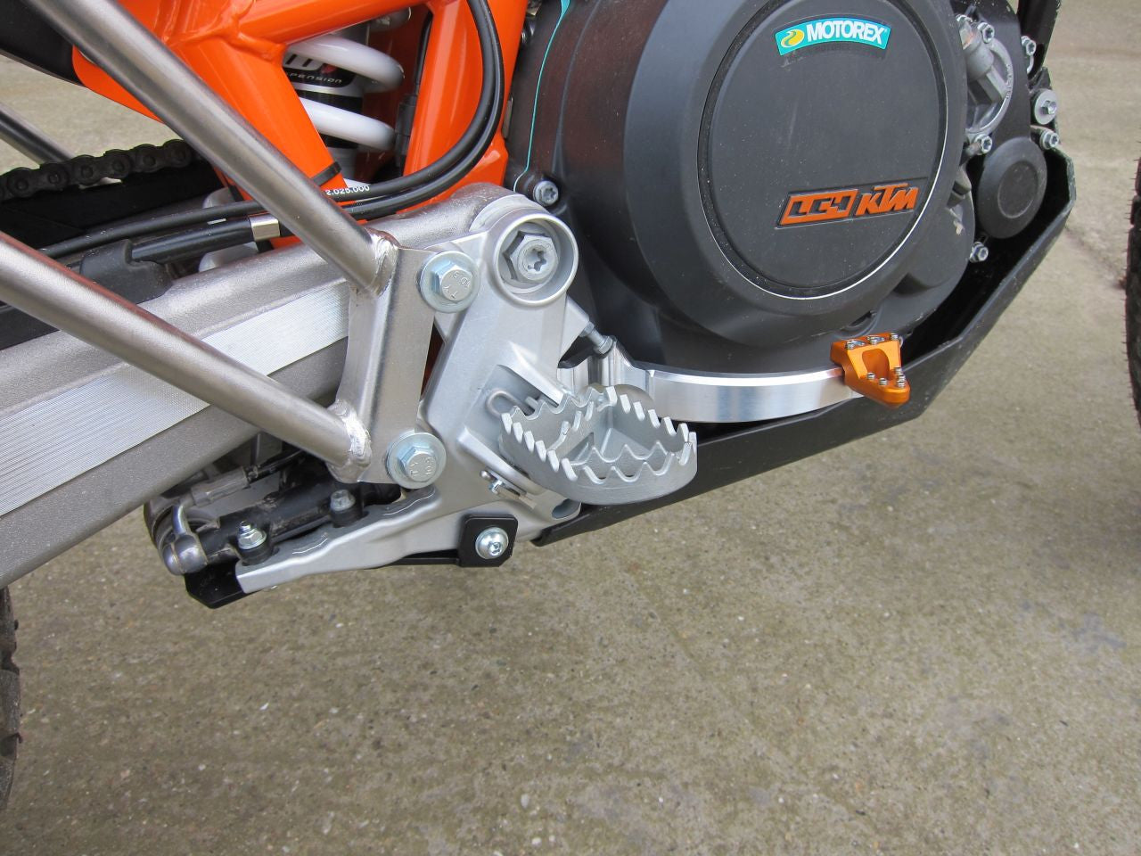 Aftermarket brake pedal for KTM 690 Enduro R - Perun moto