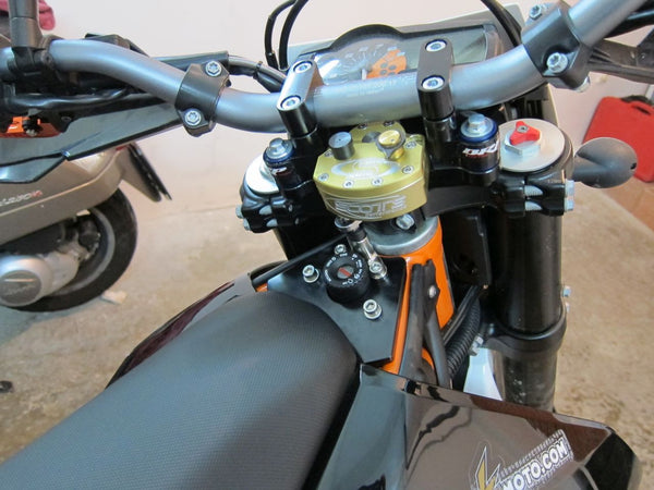 Scotts steering stabilizer and BRP rubber mounted sub mount for KTM 690 Enduro