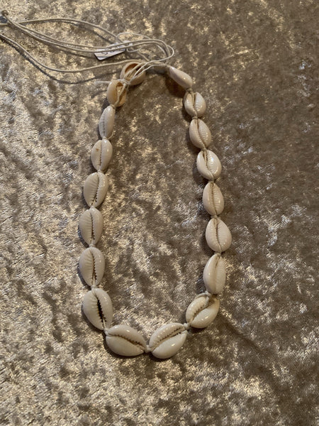 Cowrie Shell Chocker - MOSS