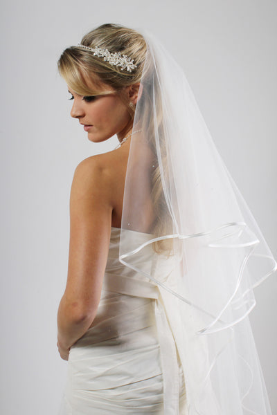CRYSTAL SCATTER RIBBON EDGE VEIL