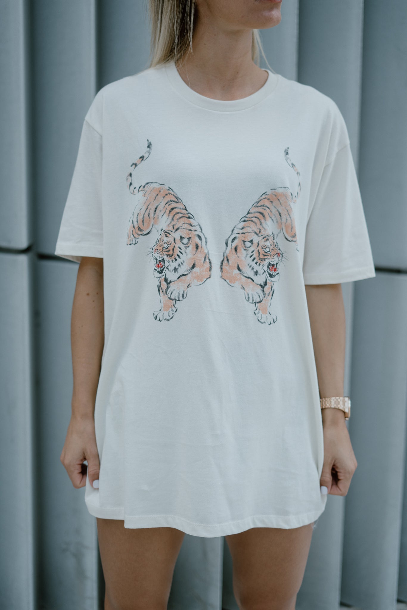 Tiger Bate Graphic T-shirt