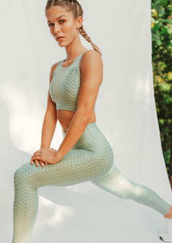 Shop our brand new green workout outfit at CYD ROSE. Our stylish and affordable green activewear sets include FREE SHIPPING on domestic orders of $60 or more!