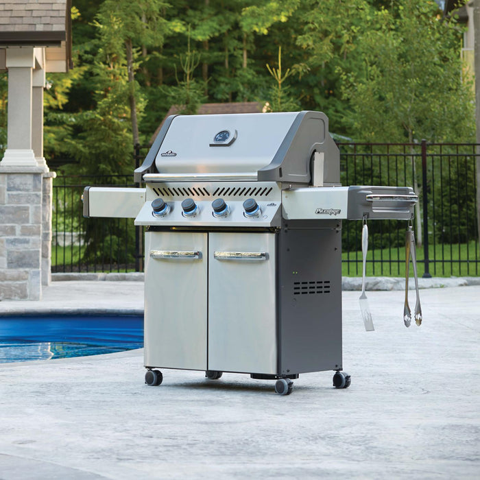 Napoleon Prestige 500 - Natural Gas / Propane Grill, Stainless Steel P500NSS-3/PSS-3