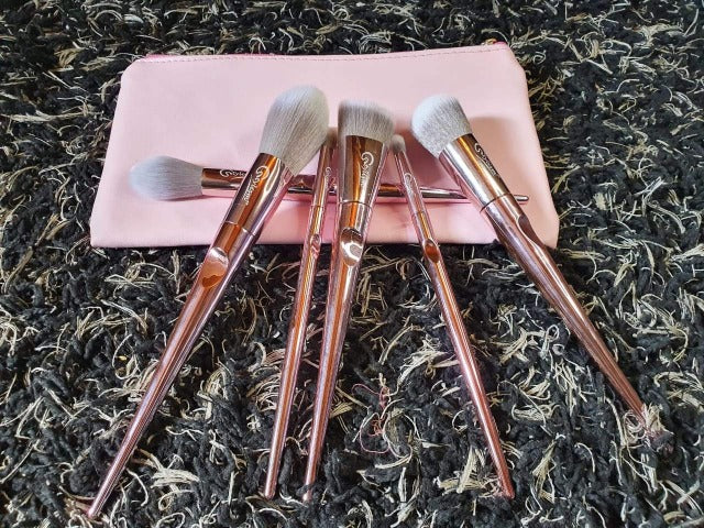 pink makeup brushes