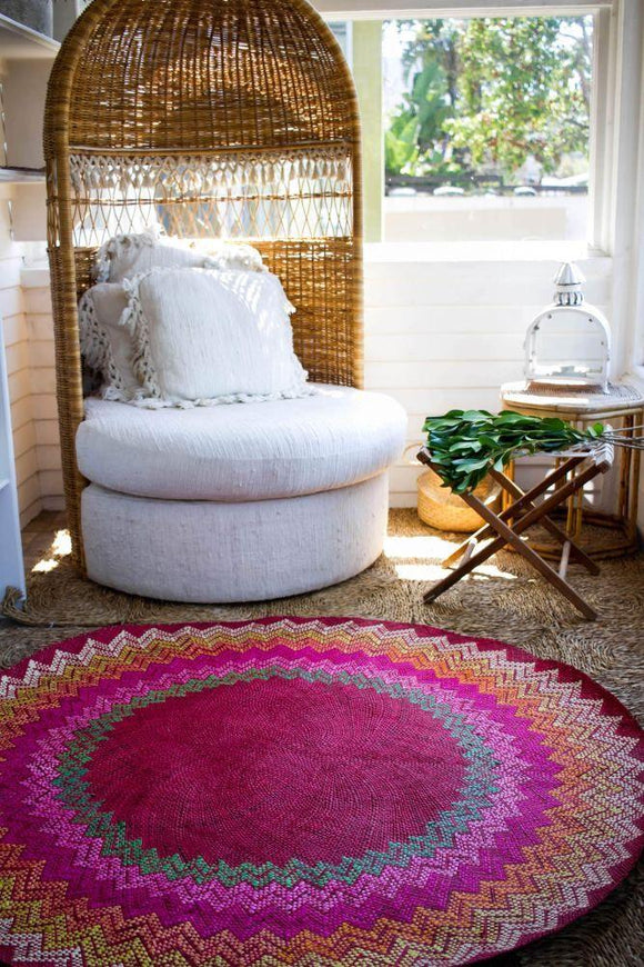 PILLOWS AND RUGS