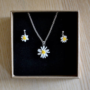 Beaded Daisy Necklace and Earrings - Spring Flower Jewellery