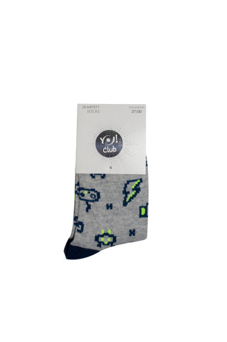"Gray Socks with ""Game"" Print 