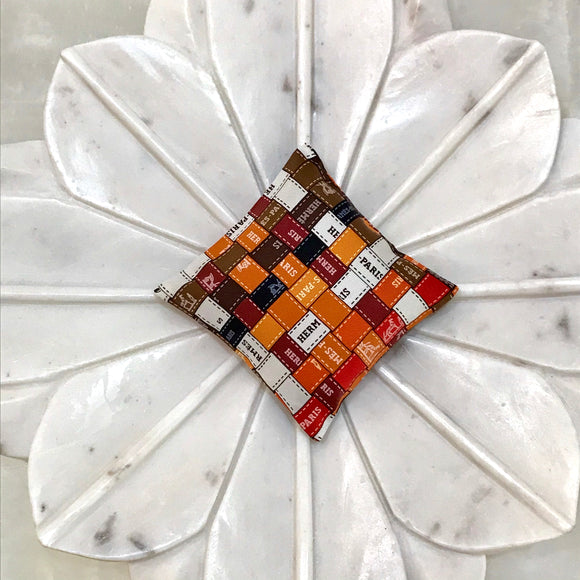 sachet Hermes scarf Bolduc ribbon red white brown orange