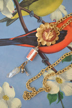 Load image into Gallery viewer, Daisy & Bird Necklace