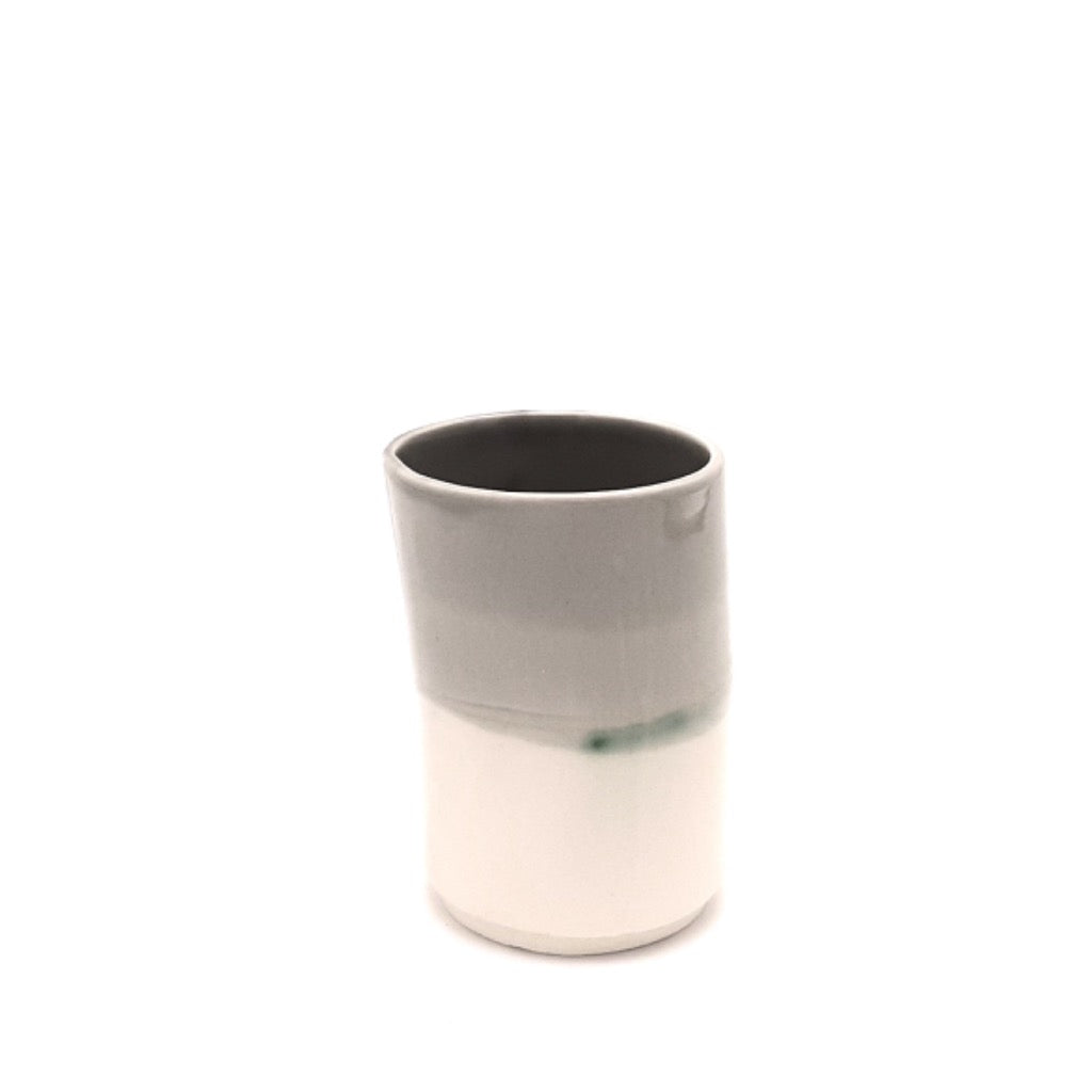 Kaolin-gudnyhaf-porcelain coffiecup/glass. Color white and grey.