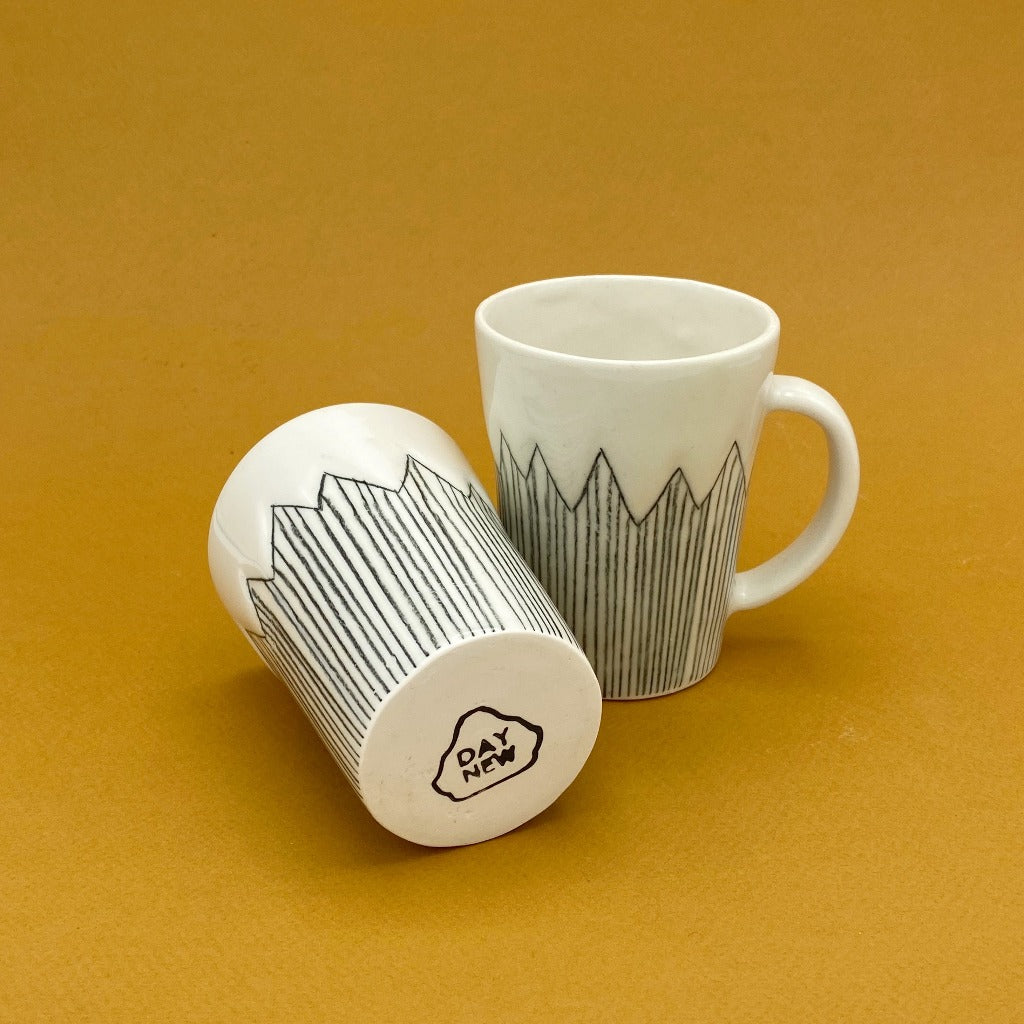 DAYNEW - Kaolin - Volcano cup with mountains