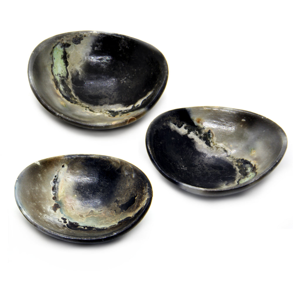 Kaolin - Kvalka -  Three randomly selected small and shallow smoke fired handmade ceramic bowls in dark tones.