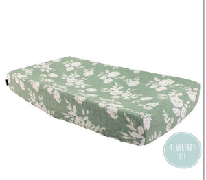 Vintage Floral Classic Muslin Changing Pad Cover