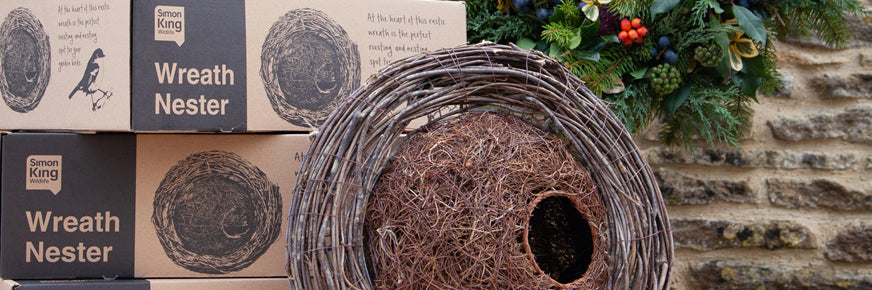 How to Decorate the Simon King Wreath Nester