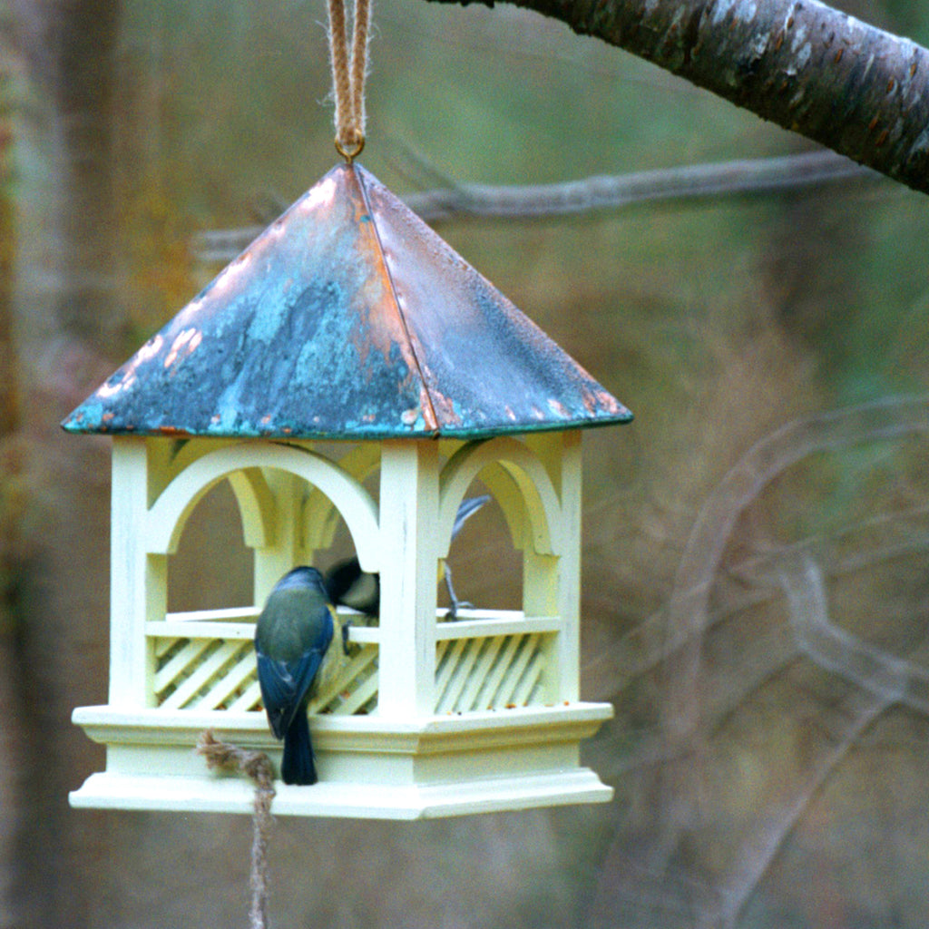 Wildlife World Hanging Bird Table in use