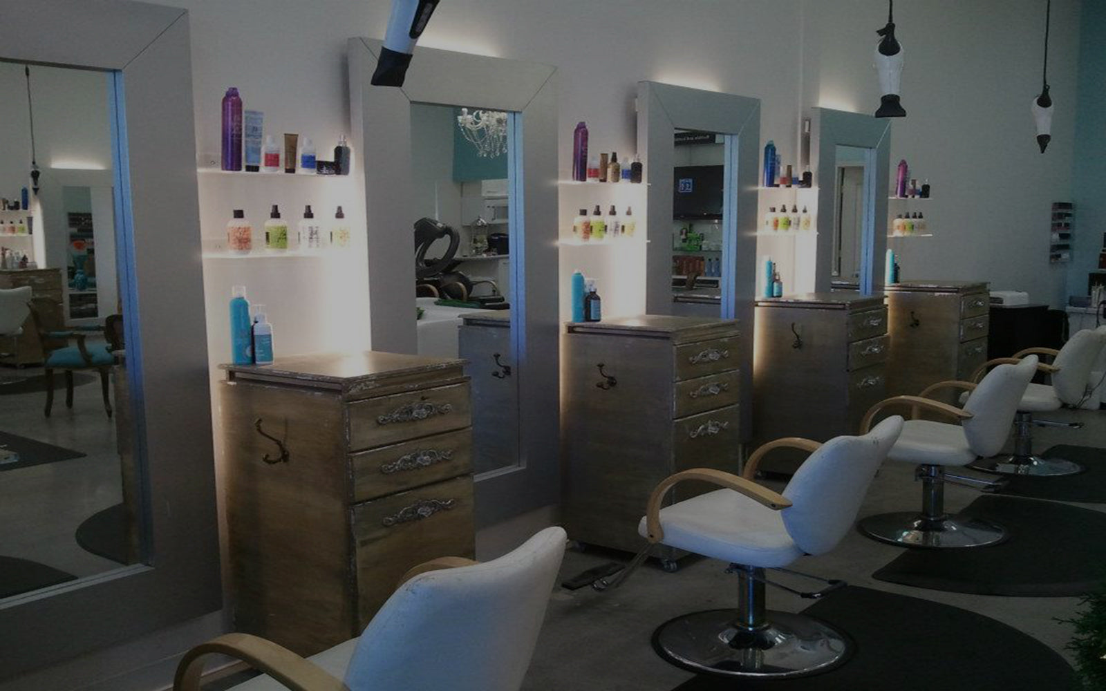 Zynergy Beauty Lounge in Gilbert, Arizona has a long list of professional stylists ready to meet your every beauty need! Pricing and booking are available online!