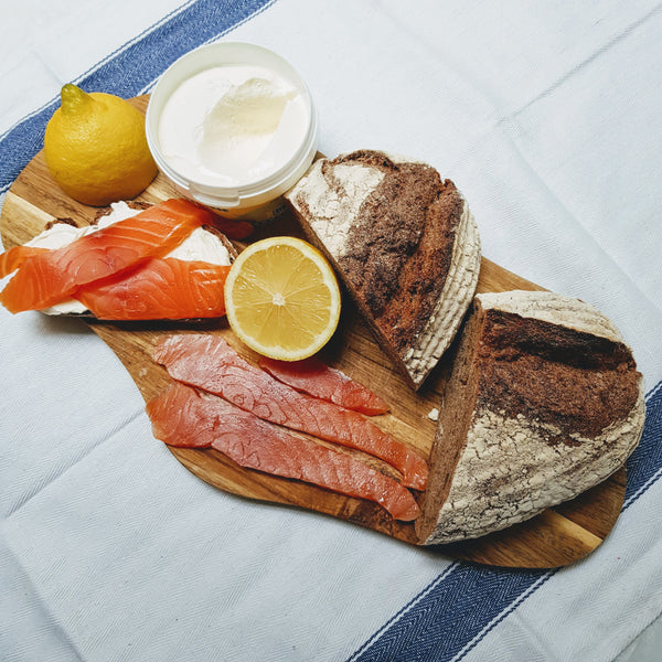 Smoked Salmon & Rye Bread Set