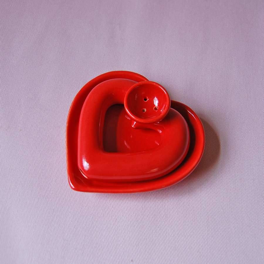 Red Heart Pipe and Dish set