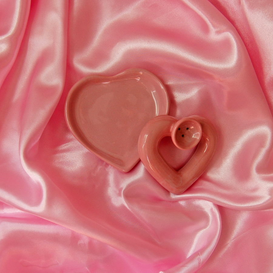 Pink Heart Pipe and Dish set