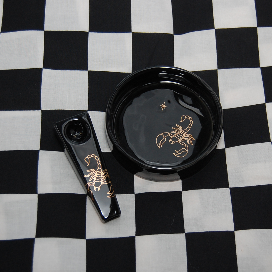 Scorpion Pipe and Dish set