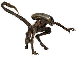 "Dog Alien (Brown) - Aliens – 7"" Scale Action Figure – Series 8"