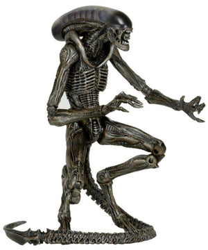 "Dog Alien (Gray) - Aliens – 7"" Scale Action Figure – Series 8"