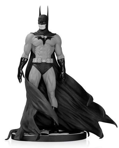 Batman Black & White Statue by Michael Turner