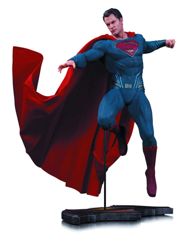 Batman V Superman Superman Statue