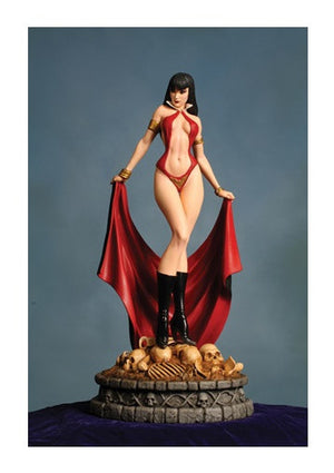 Women Dynamite Vampirella Statue Artist Proof with #0 Comic
