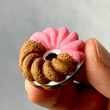 Load image into Gallery viewer, 380127 IWAKO FRENCH DONUT ERASER-PINK-1 ERASER