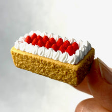 Load image into Gallery viewer, 381486 IWAKO POUND CAKE ERASER-1 eraser