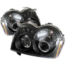 Load image into Gallery viewer, Spyder Jeep Grand Cherokee 05-07 Projector Headlights LED Halo LED Blk Low 9006 PRO-YD-JGC05-HL-BK