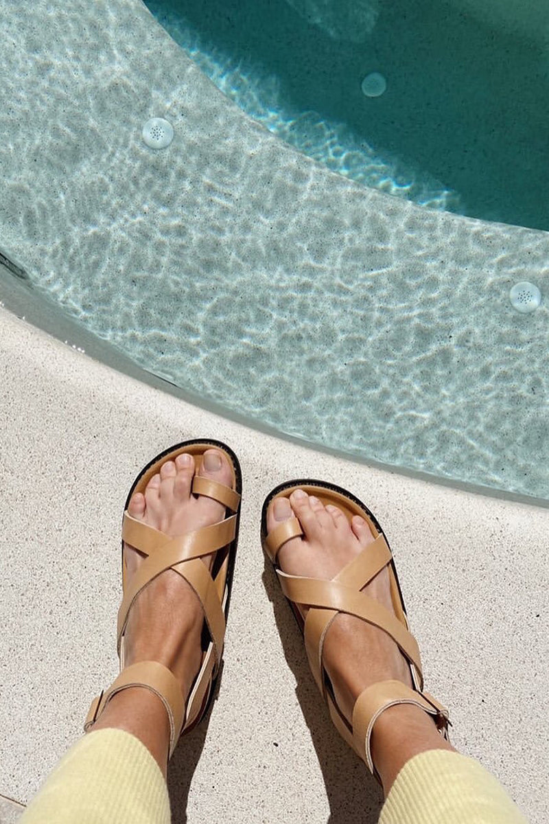 THE LENI SANDAL TAN