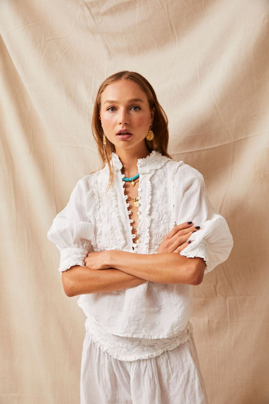 KAHLO EMBROIDERED BLOUSE