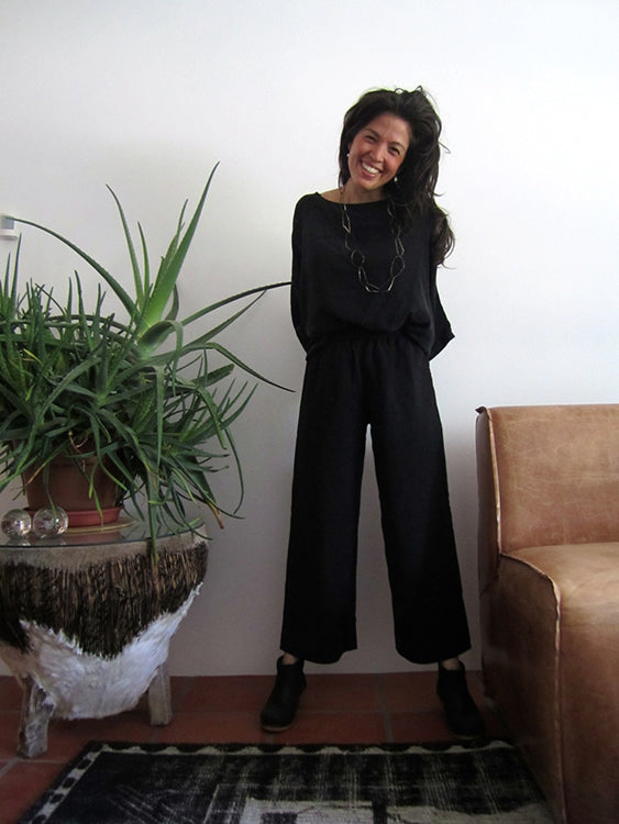 HOVER2_Florence Pant in Midweight Linen [X-Small, Regular] + Artist Smock in Silk Crepe [OS Minus]