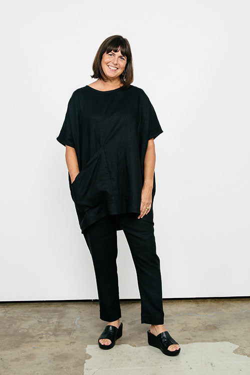 HOVER2_[a href=|/collections/signature/products/harper-tunic-linen|]Harper Tunic [Black Midweight Linen / OS][/a] + [a href=|/collections/signature/products/tilda-pant-linen|]Tilda Pant [Black Midweight Linen / Medium Regular][/a]