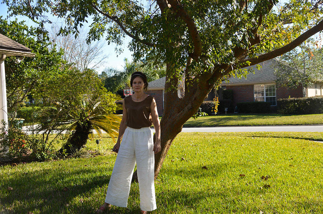 HOVER2_[a href=|/collections/signature/products/marlena-tank-silk-crepe|]Marlena Tank [Moss Silk Crepe / X-Small][/a] + [a href=|/collections/signature/products/florence-pant-linen|]Florence Pant [Ivory Midweight Linen / Small Regular][/a]