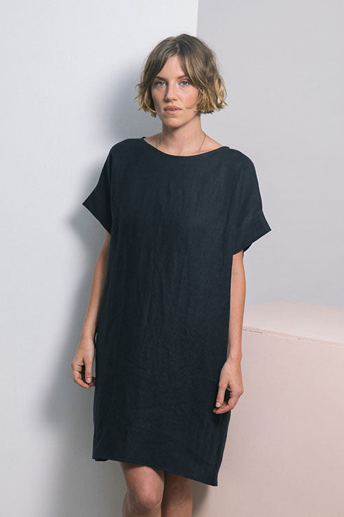 HOVER2_Georgia Dress [Black Midweight Linen]