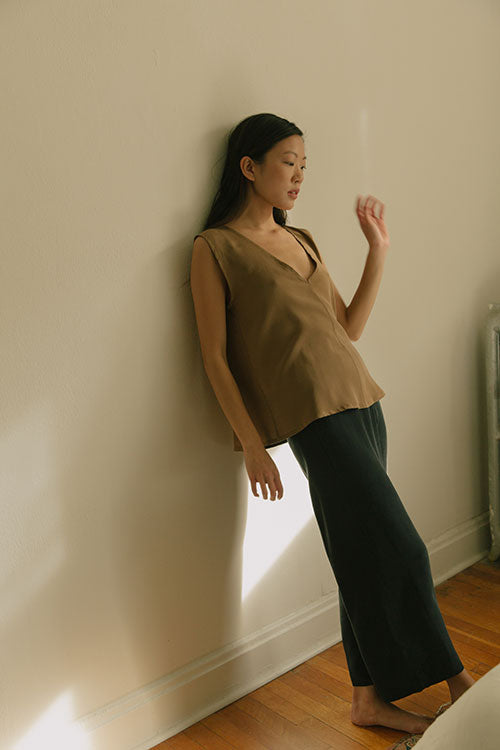 HOVER2_Marlena Tank [Moss Silk Crepe] + Florence Pant [Black Silk Crepe]