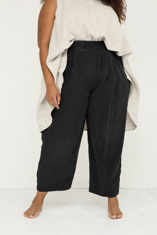 Andy Trouser in Silk Crepe Black - Alex-3XL Regular